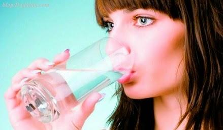 Minum Air Putih