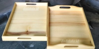 tray kayu
